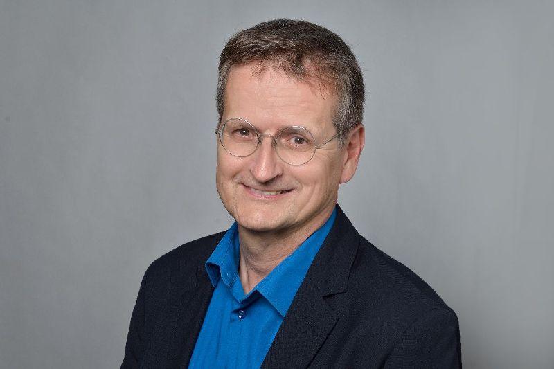 Portrati von Herrn Josef Kronzucker